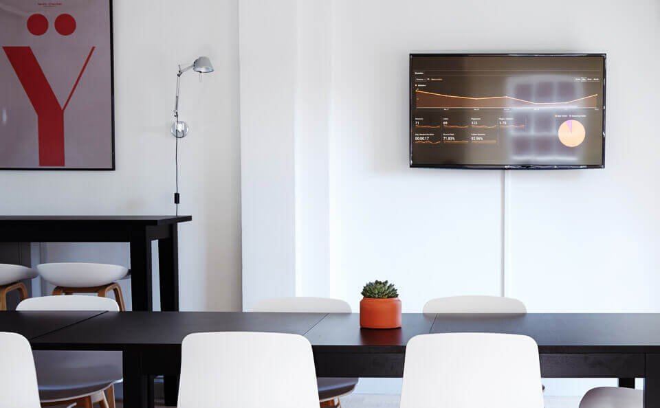 How digital signage can revitalize your office